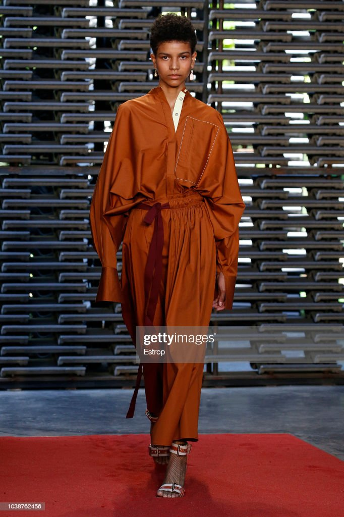 Roksanda - Runway - LFW September 2018 : ニュース写真