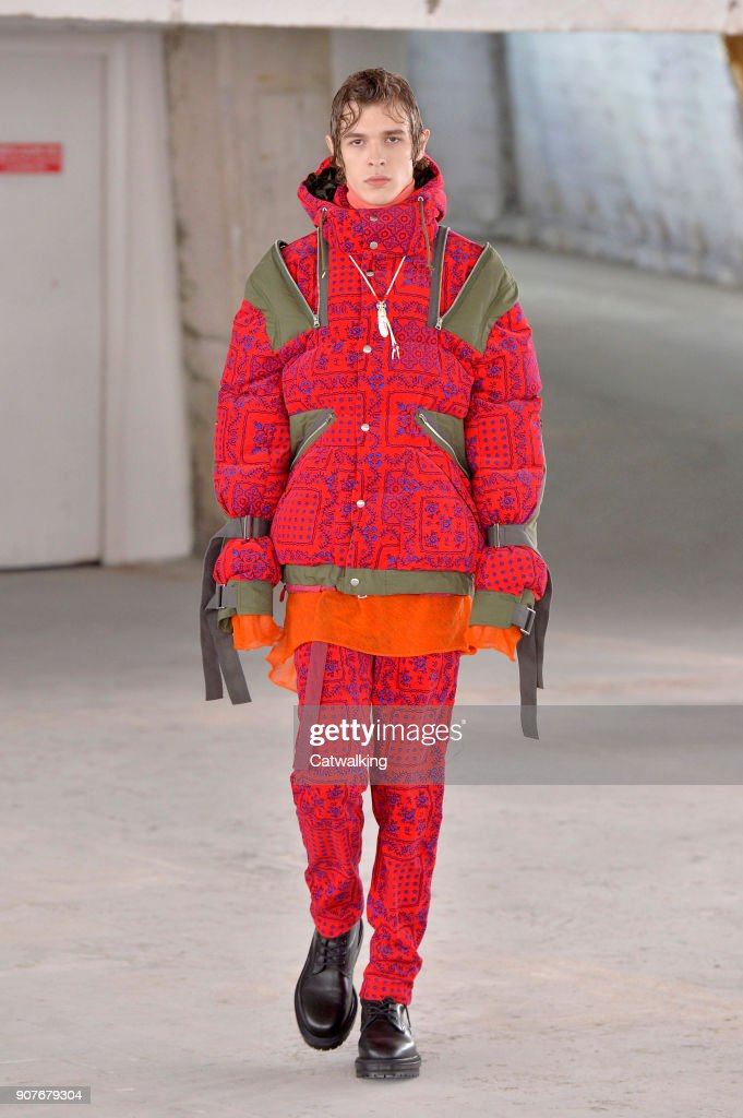 Sacai - Mens Fall 2018 Runway - Paris Menswear Fashion Week
