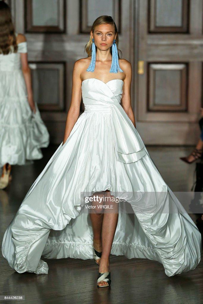 Sachin & Babi - Runway - September 2017 - New York Fashion Week : News Photo