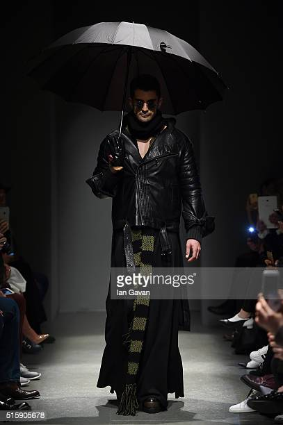 A model walks the runway at the Safak Tokur show during the MercedesBenz Fashion Week Istanbul Autumn/Winter 2016 at Zorlu Center on March 16 2016 in...