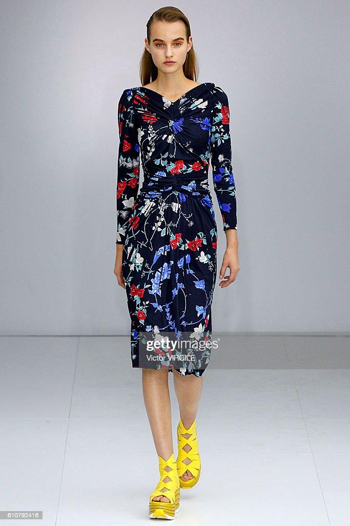 Salvatore Ferragamo - Runway - Milan Fashion Week SS17 : News Photo