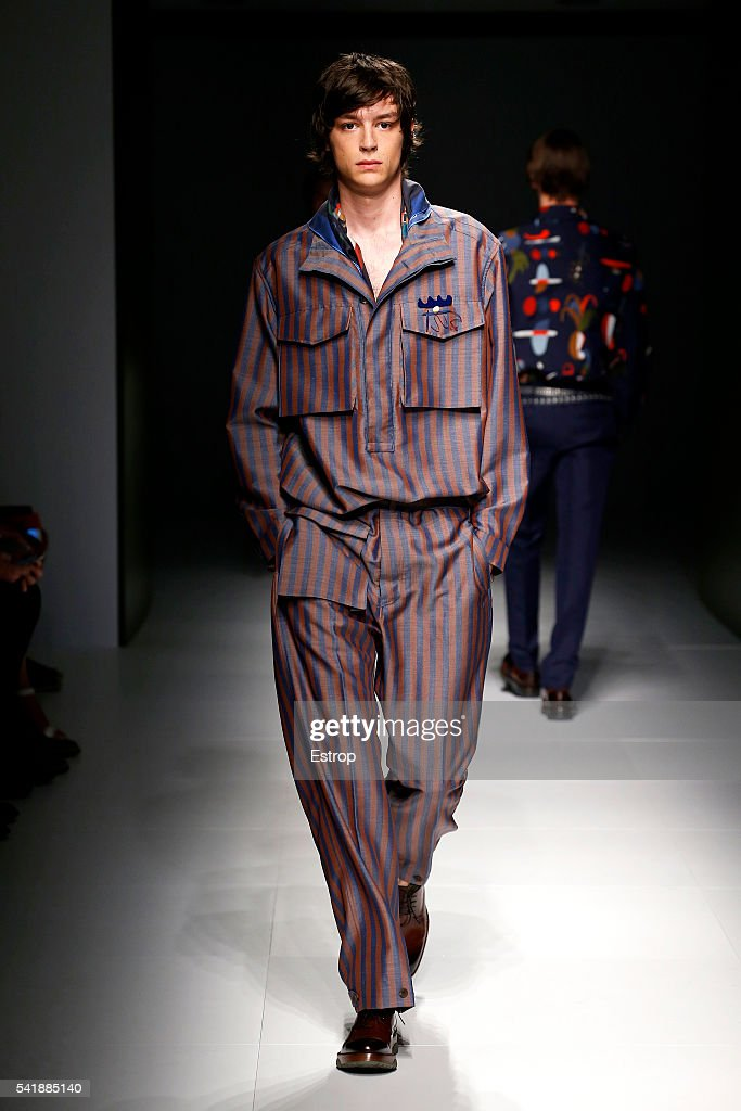 Salvatore Ferragamo - Runway -  Milan Men's Fashion Week SS17 : News Photo