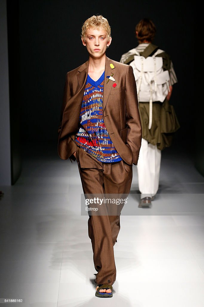 Salvatore Ferragamo - Runway -  Milan Men's Fashion Week SS17 : News Photo