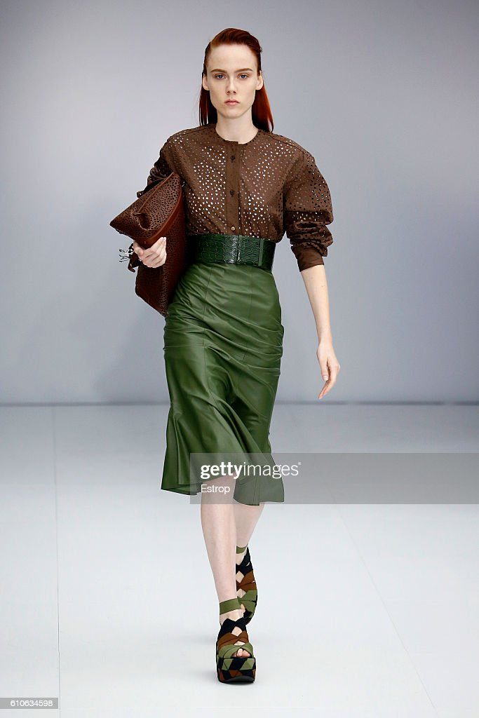 Salvatore Ferragamo - Runway - Milan Fashion Week SS17 : News Photo