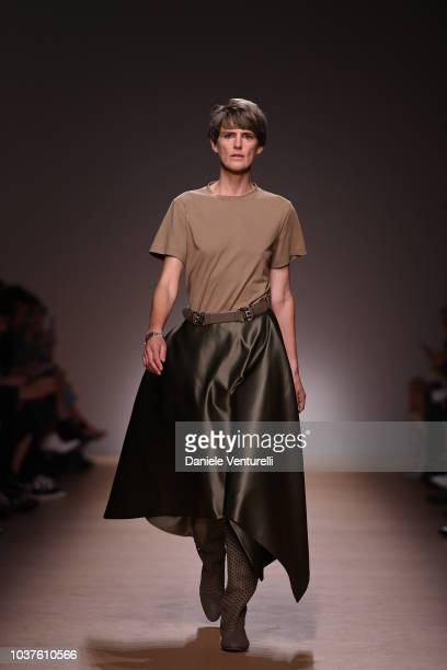 Paul Andrew aknowledge the applause of the public after the Salvatore Ferragamo show during Milan Fashion Week Spring/Summer 2019 on September 22...