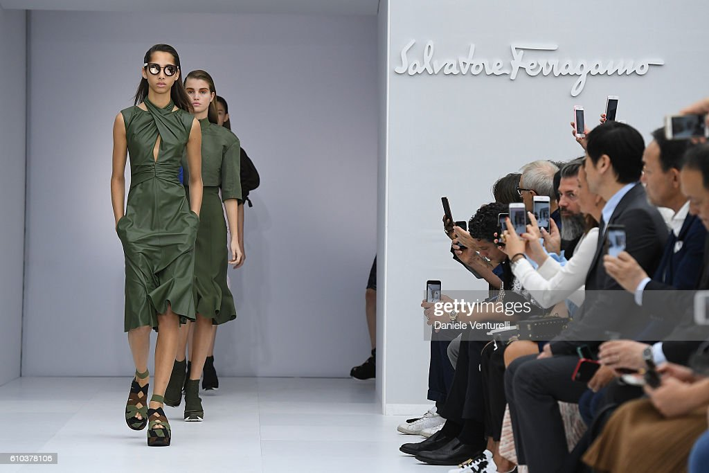 Salvatore Ferragamo - Runway - Milan Fashion Week SS17 : ニュース写真