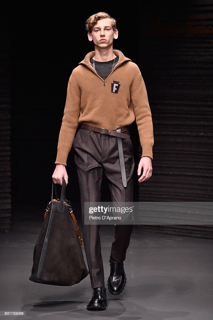 Salvatore Ferragamo - Runway - Milan Men's Fashion Week Fall/Winter 2017/18 : News Photo