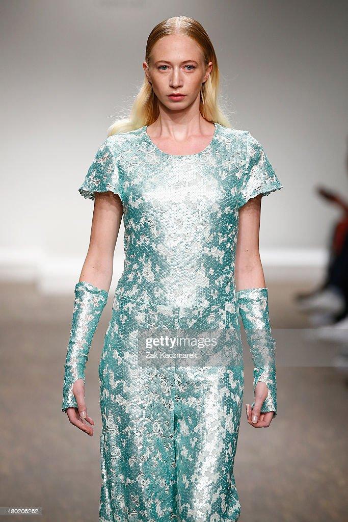 Sammler Berlin Show - Mercedes-Benz Fashion Week Berlin Spring/Summer 2016 : Nachrichtenfoto