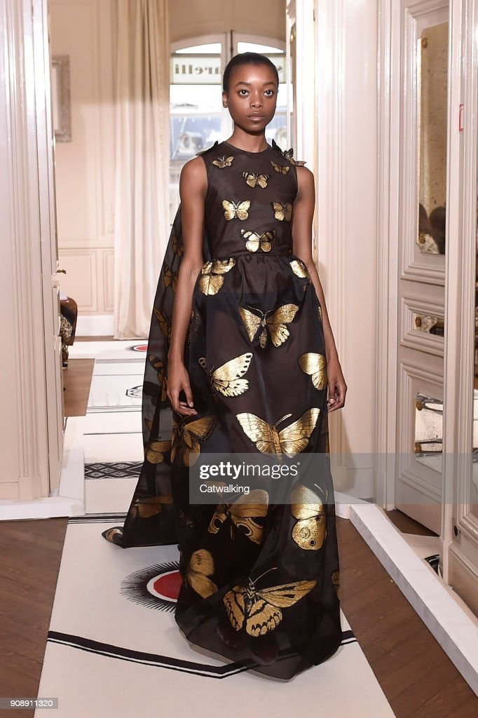 Schiaparelli - Spring Summer 2018 Runway - Paris Haute Couture Fashion Week