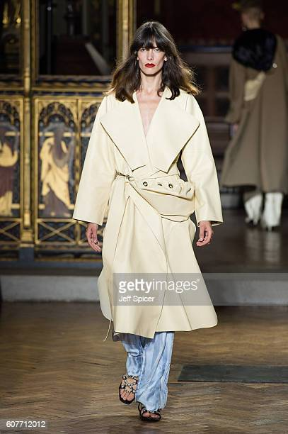 A model walks the runway at the Sharon Wauchob show during London Fashion Week Spring/Summer collections 2017 on September 19 2016 in London United...