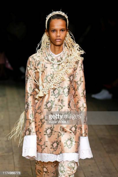 A model walks the runway at the Simone Rocha Ready to Wear Spring/Summer 2020 fashion show during London Fashion Week September 2019 on September 15...