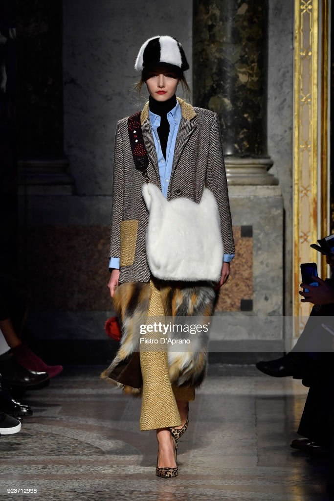 Simonetta Ravizza - Runway - Milan Fashion Week Fall/Winter 2018/19