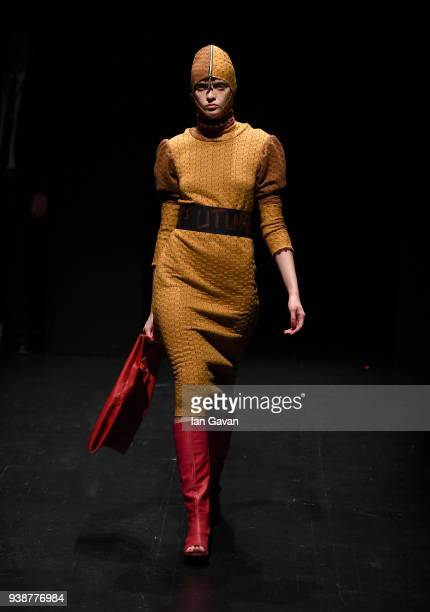 A model walks the runway at the Siyar Akboga show during MercedesBenz Fashion Week Istanbul at Zorlu Performance Hall on March 27 2018 in Istanbul...