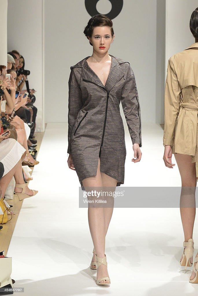 Snowman - Runway - Mercedes-Benz Fashion Week Spring 2015 : News Photo