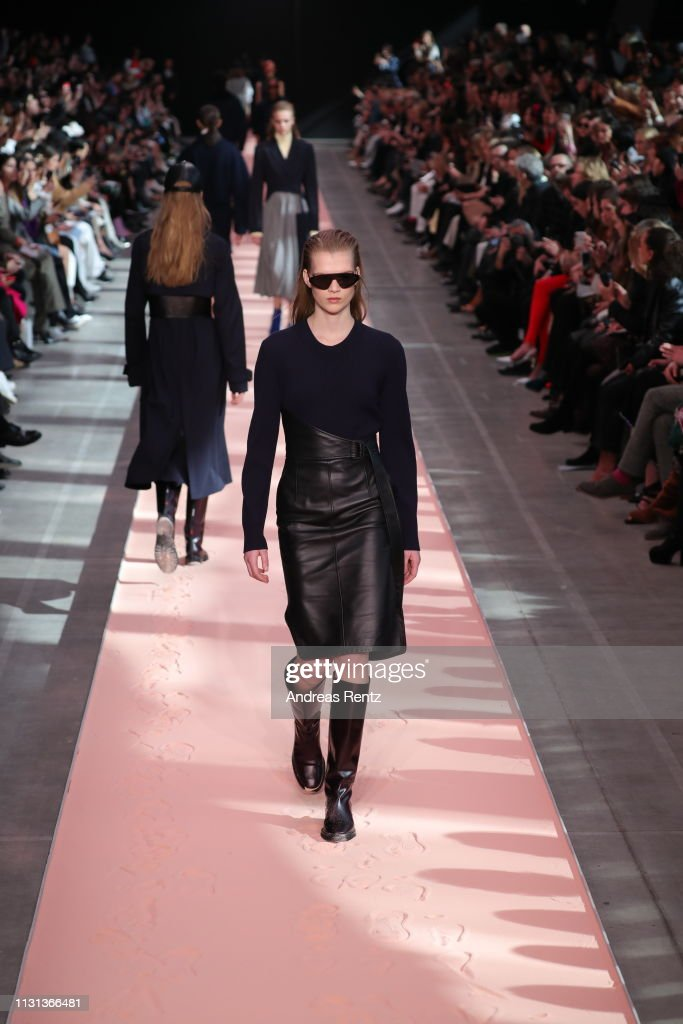 ITA: Sportmax - Runway: Milan Fashion Week Autumn/Winter 2019/20
