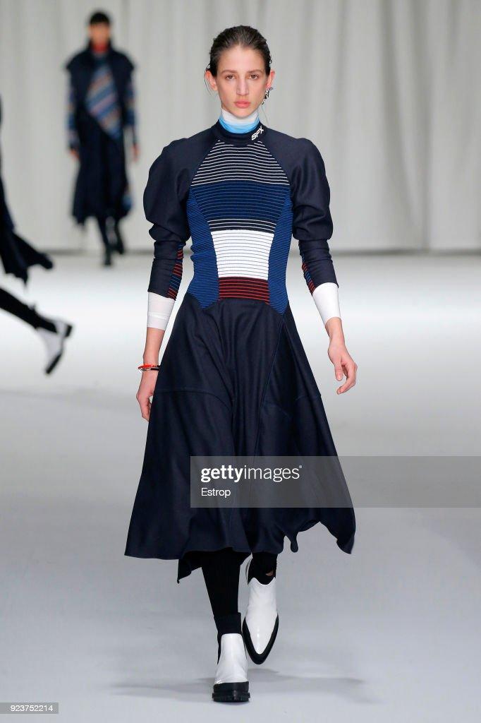 Sportmax - Runway - Milan Fashion Week Fall/Winter 2018/19 : ニュース写真