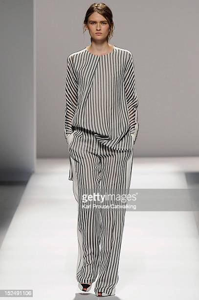 Sportmax: Spring Summer 2015 Milan Fashion Week