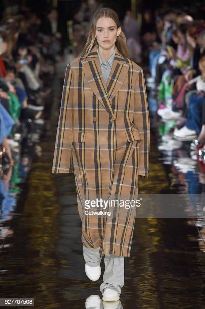 PARIS MARCH 05 A model walks the runway at the Stella McCartney Autumn Winter 2018 fashion show during Paris Fashion Week on March 5 2018 in Paris...
