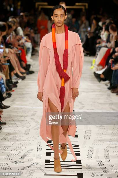 Model walks the runway at the Stella McCartney show at Paris Fashion Week Autumn/Winter 2019/20 on March 4, 2019 in Paris, France.