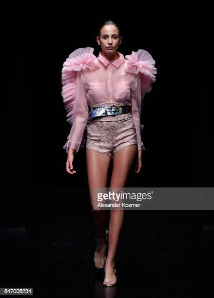 A model walks the runway at the Sudi Etuz show during MercedesBenz Istanbul Fashion Week September 2017 at Zorlu Center on September 14 2017 in...
