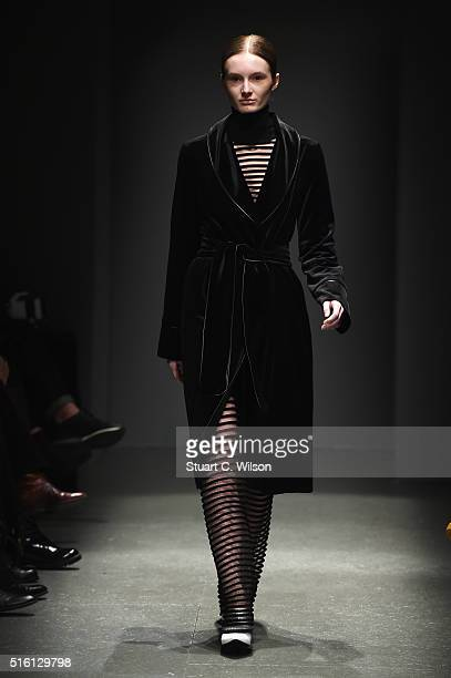 A model walks the runway at the Sudietuz show during the MercedesBenz Fashion Week Istanbul Autumn/Winter 2016 at Zorlu Center on March 17 2016 in...