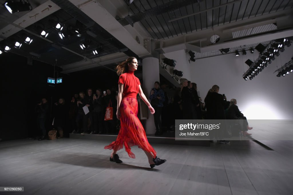 Teatum Jones - Runway - LFW February 2018