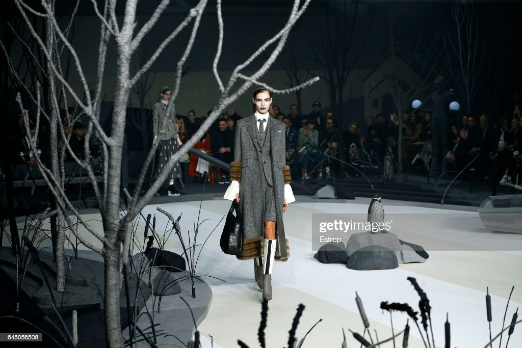 Thom Browne - Runway - New York Fashion Week Fall/Winter2017/18 : News Photo