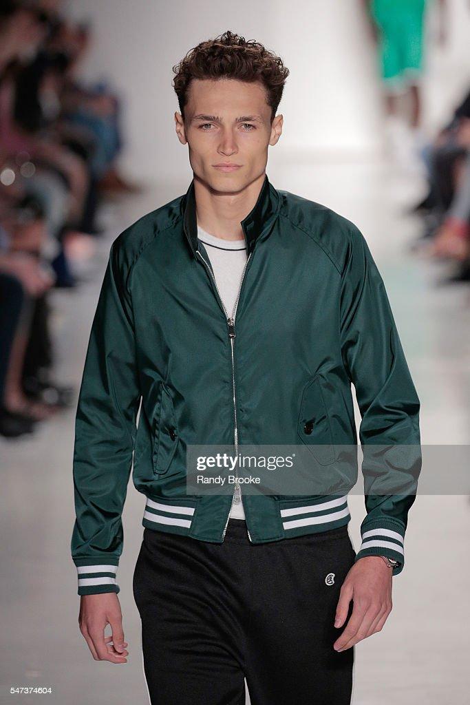 NY: Todd Snyder - Runway - New York Fashion Week: Men's S/S 2017