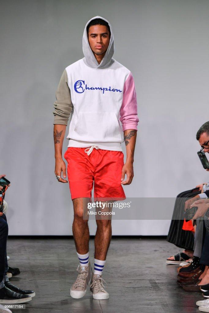 Todd Snyder - Runway - July 2018 New York City Men's Fashion Week : Nyhetsfoto