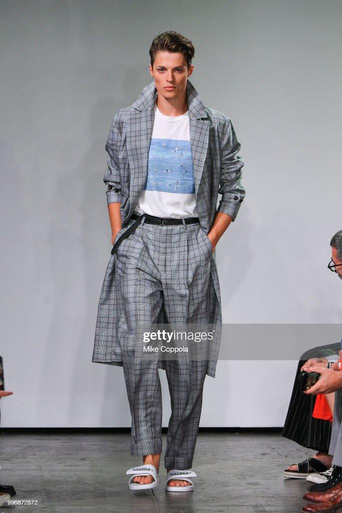 Todd Snyder - Runway - July 2018 New York City Men's Fashion Week : News Photo