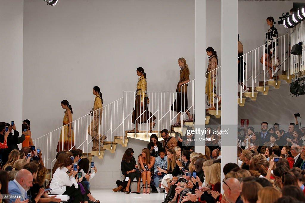Tod's - Runway - Milan Fashion Week Spring/Summer 2018 : ニュース写真