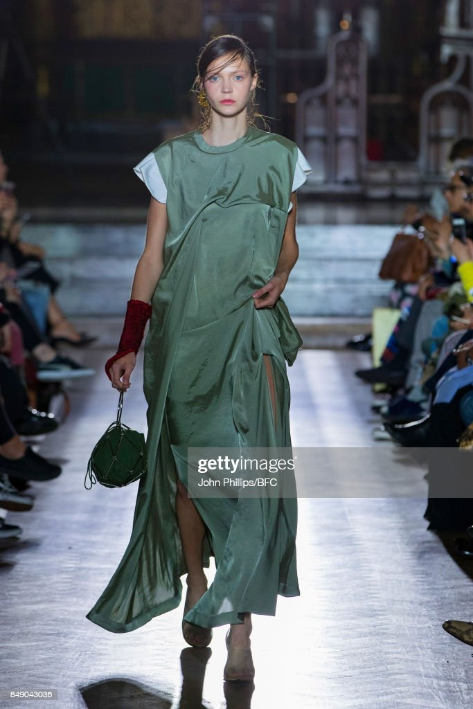 TOGA - Runway - LFW September 2017 : ニュース写真
