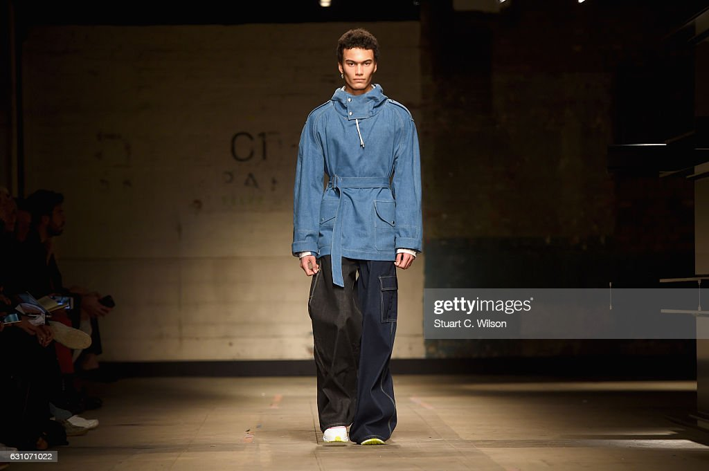 TOPMAN DESIGN - Runway - LFW Men's January 2017 : News Photo