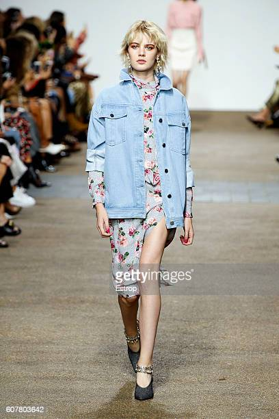 A model walks the runway at the Topshop Unique designed by Kate Phelan show during London Fashion Week Spring/Summer collections 2017 on September 18...