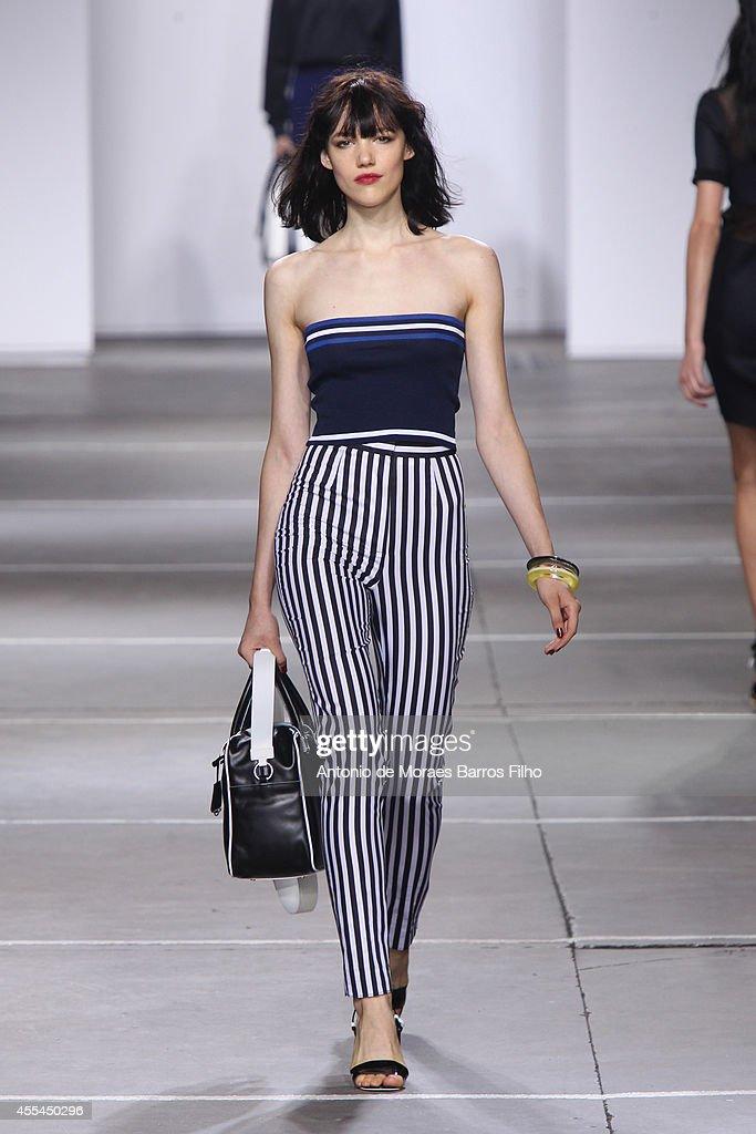 TopShop Unique: Runway - London Fashion Week SS15 : News Photo