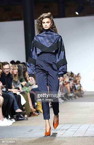 A model walks the runway at the Topshop Unique show during London Fashion Week Spring/Summer collections 2017 at Old Spitalfields Market on September...