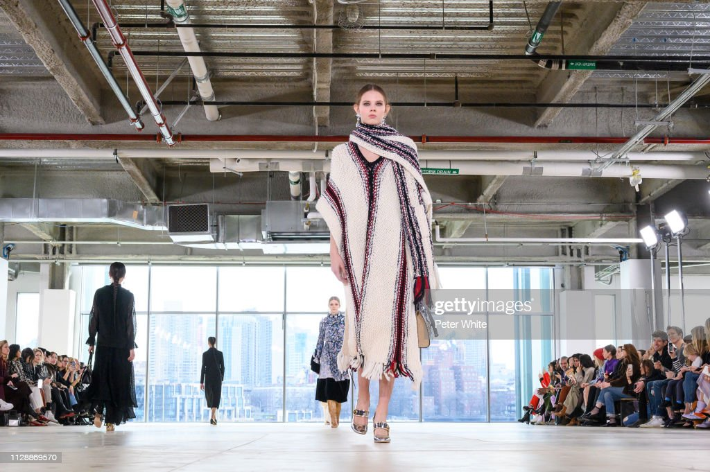Tory Burch - Runway - February 2019 - New York Fashion Week : News Photo