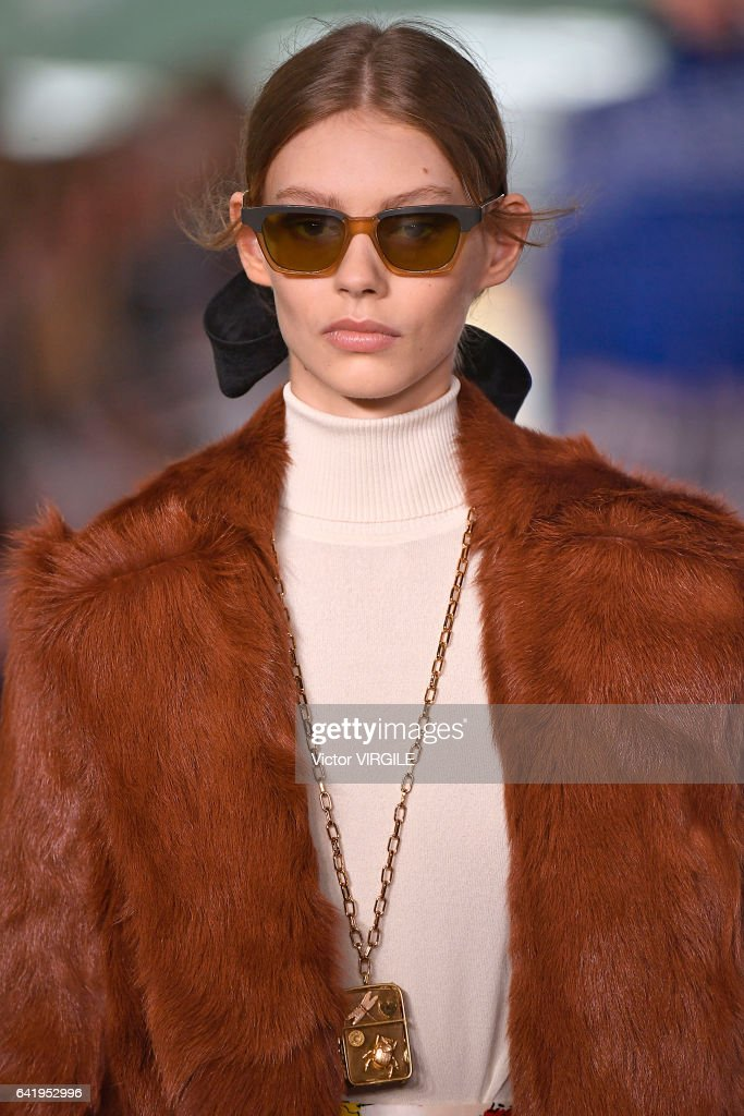 Tory Burch - Runway - February 2017 - New York Fashion Week