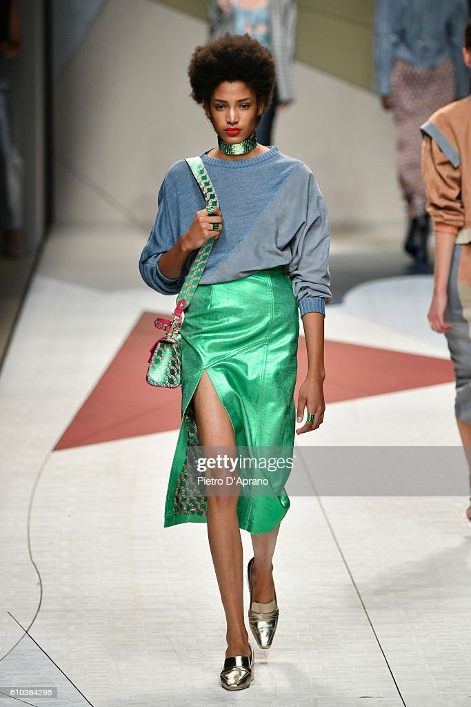 Trussardi - Runway - Milan Fashion Week SS17 : News Photo