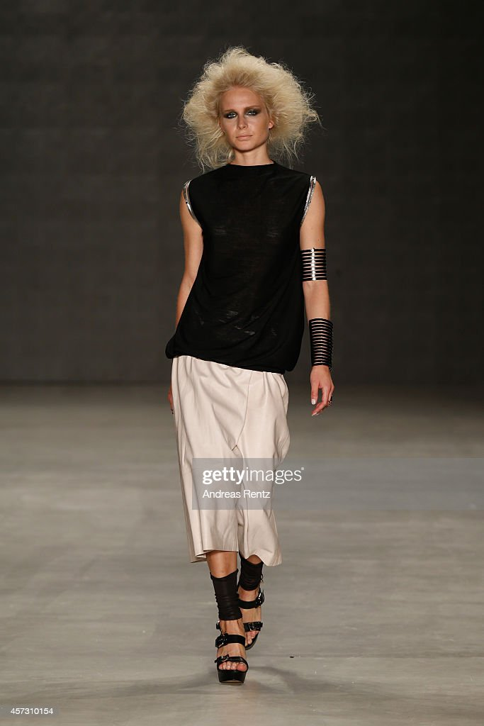 Tuba Ergin: Runway - MBFWI Spring/Summer 2015 : News Photo