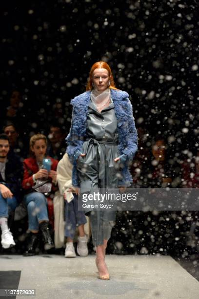 Model walks the runway at the Tuba Ergin show during Mercedes-Benz Istanbul Fashion Week at Zorlu Performance Hall on March 22, 2019 in Istanbul,...