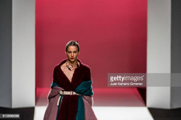 A model walks the runway at the Uises Merida show during the MercedesBenz Fashion Week Madrid Autumn/Winter 201819 at Ifema on January 27 2018 in...