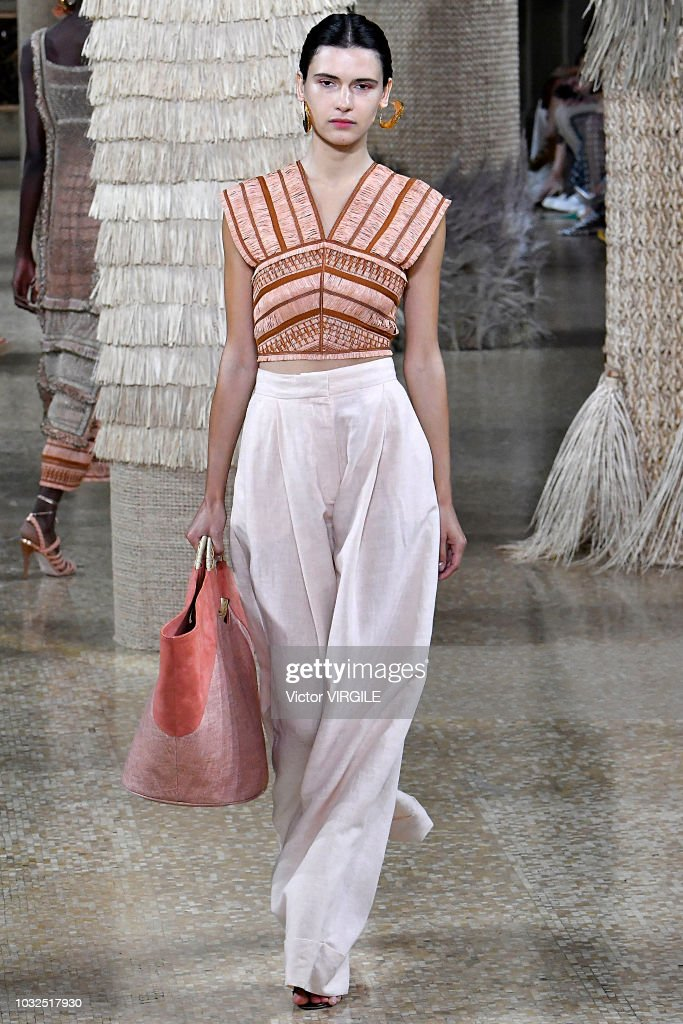 Ulla Johnson - Runway - September 2018 - New York Fashion Week : News Photo