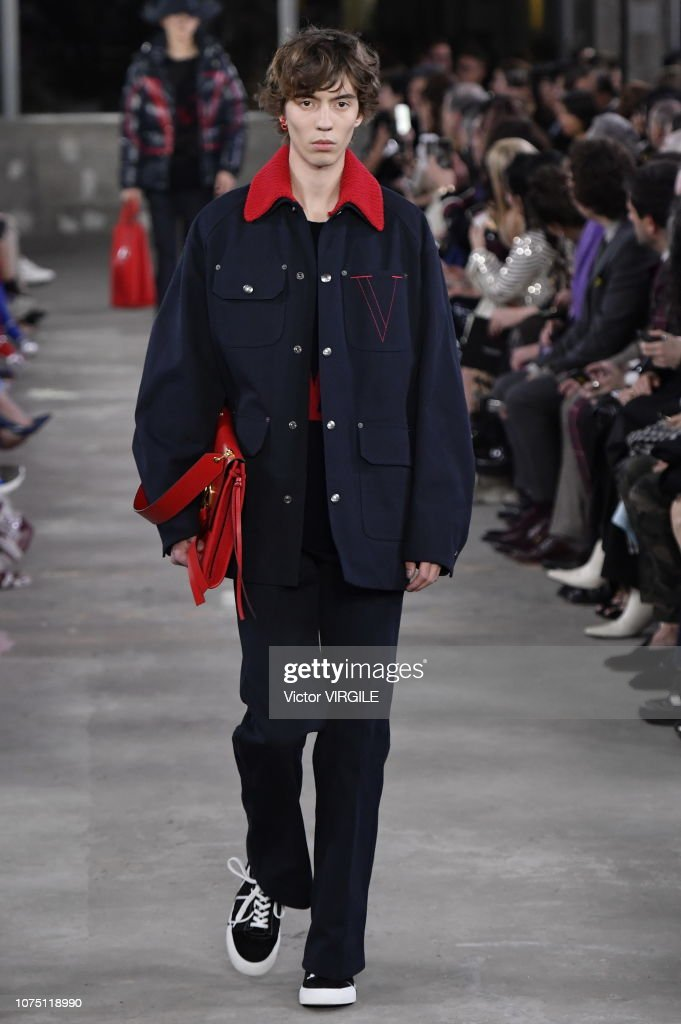 Valentino TKY 2019 Pre-Fall Collection - Runway : News Photo