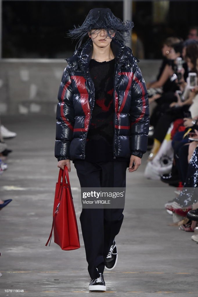 Valentino TKY 2019 Pre-Fall Collection - Runway : ニュース写真