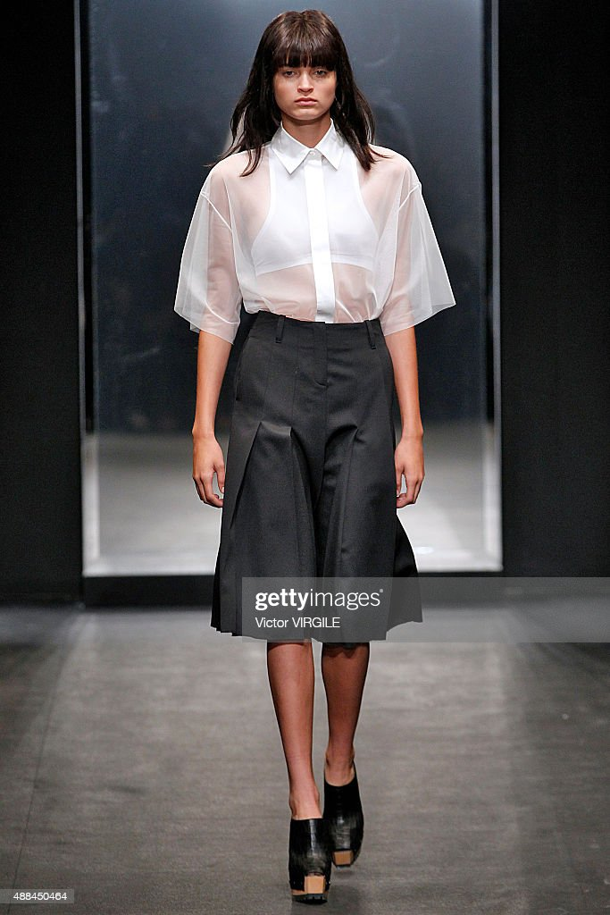 Vera Wang Collection - Runway - Spring 2016 New York Fashion Week : News Photo