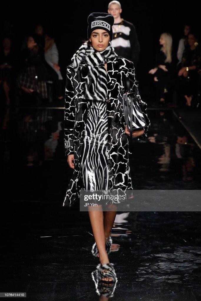 Versace Fall 2019 - Runway : ニュース写真