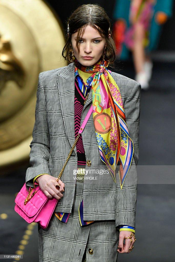 Versace - Runway - Milan Fashion Week Autumn/Winter 2019/20 : News Photo