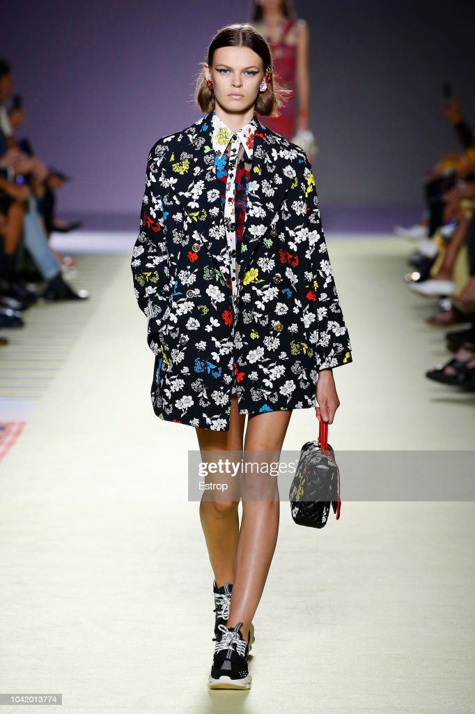 Versace - Runway - Milan Fashion Week Spring/Summer 2019 : ニュース写真