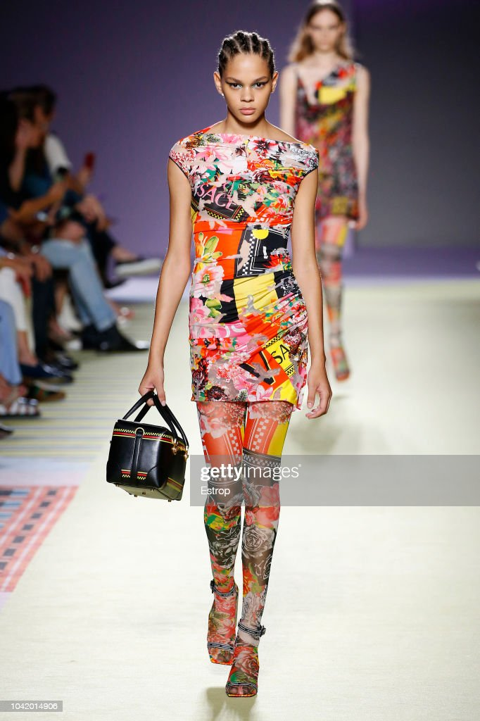 Versace - Runway - Milan Fashion Week Spring/Summer 2019 : News Photo